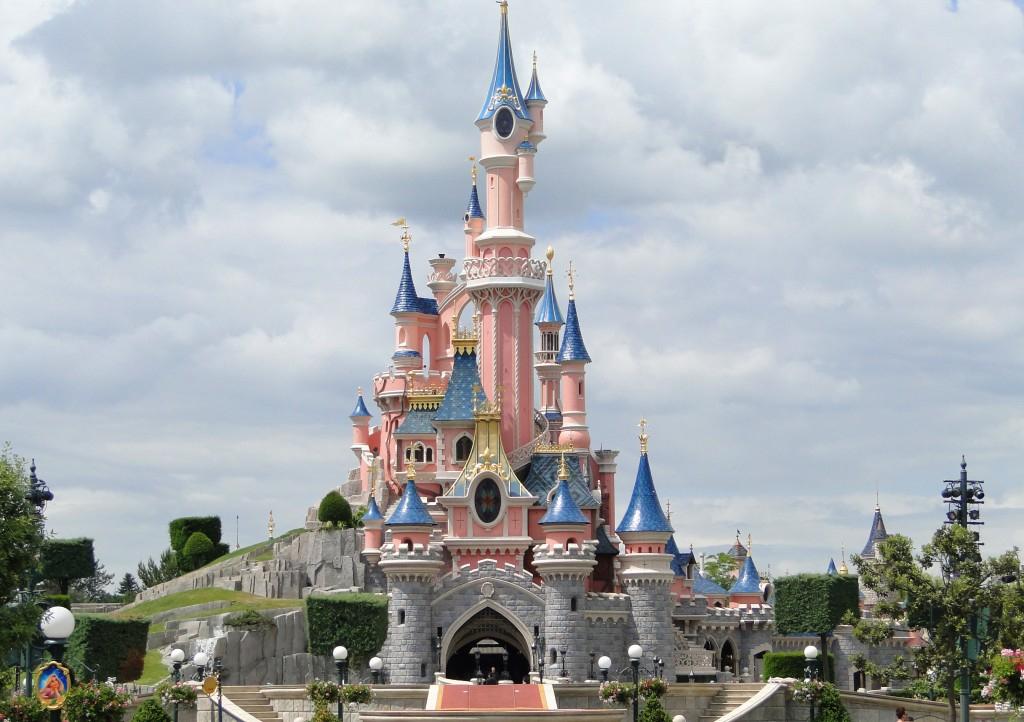 1 Week-End Pour 4 Personnes À Disneyland Paris - Gagner Un concernant Combien Coute Un Week End A Disneyland Paris
