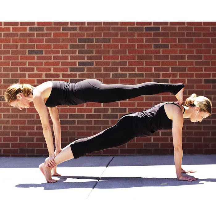 7 Yoga Poses For Two People (Partners, Besties And More) tout Figure De Yoga A Deux
