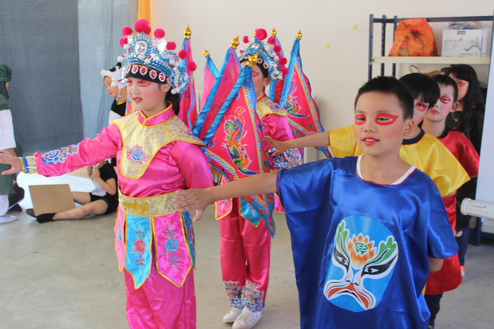Autun | En Images Le Spectacle Des Enfants De Chengdu dedans Spectacle Danse Chinoise