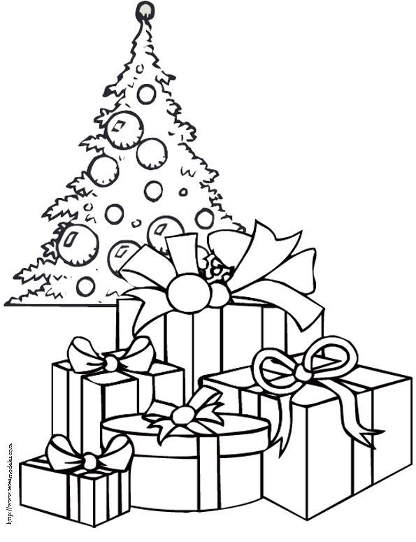 Coloriage Cadeaux Sous Le Sapin De Noël Dessin Gratuit À concernant Coloriage De Sapin De Noel A Imprimer Gratuit