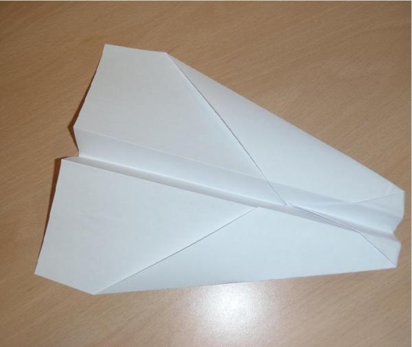 Comment Faire Un Avion En Papier Qui Vole Bien - 6 Étapes serapportantà Comment Fabriquer Un Avion En Papier