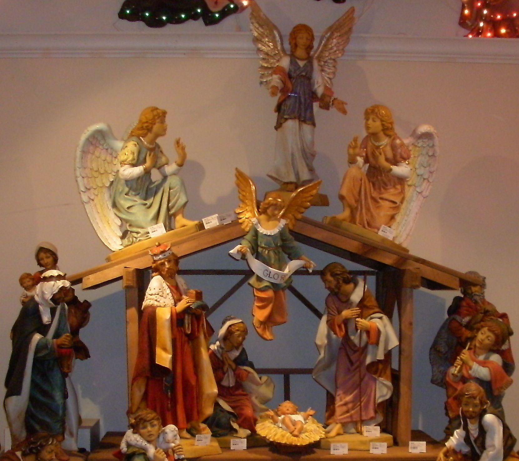 Decor: Christmas Themes Nativity Sets For Exciting Home intérieur Theme Creche