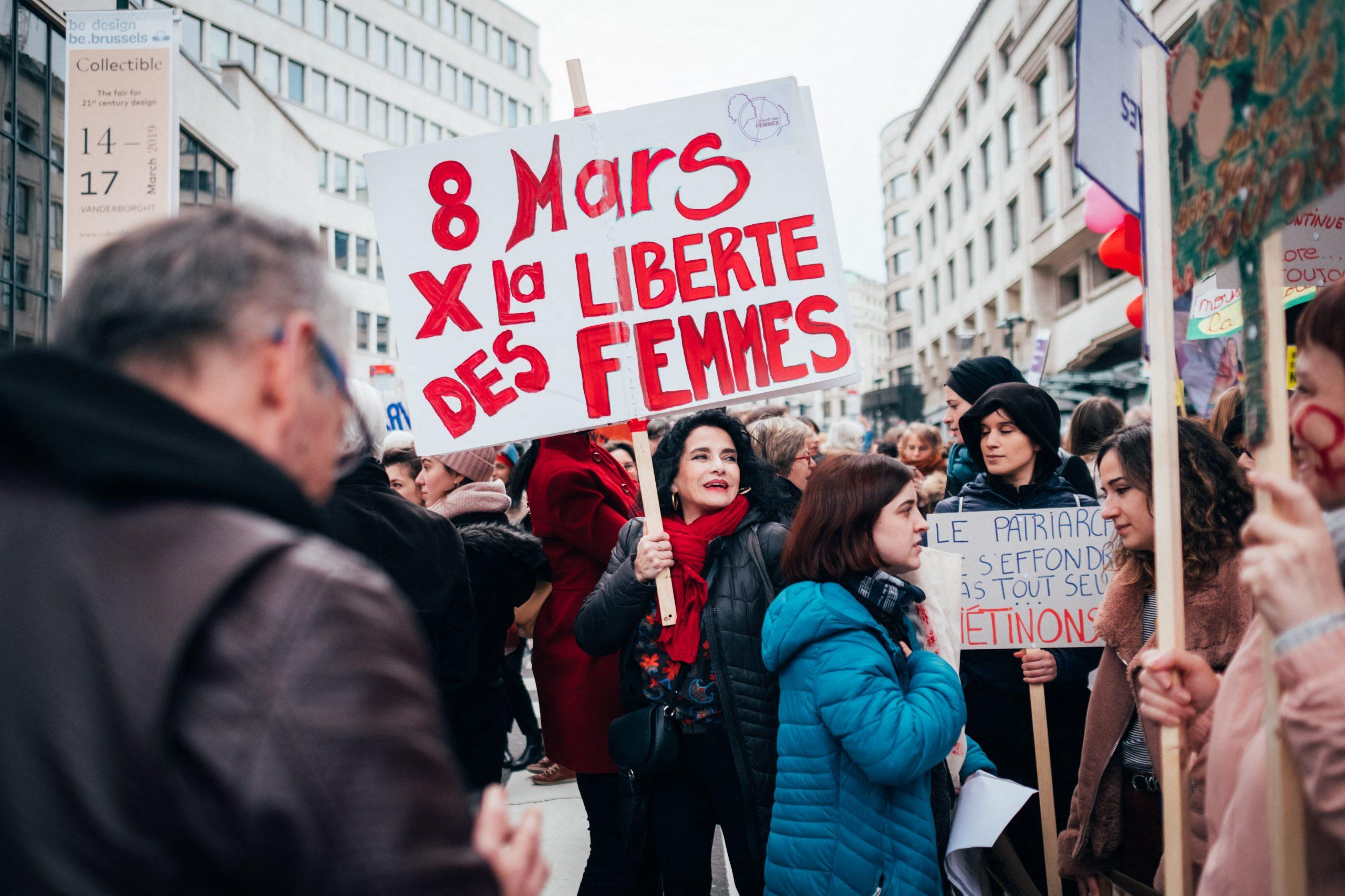 Droits Des Femmes : Un Pas En Avant, Deux En Arrière concernant Un Pas En Avant Deux Pas En Arrière