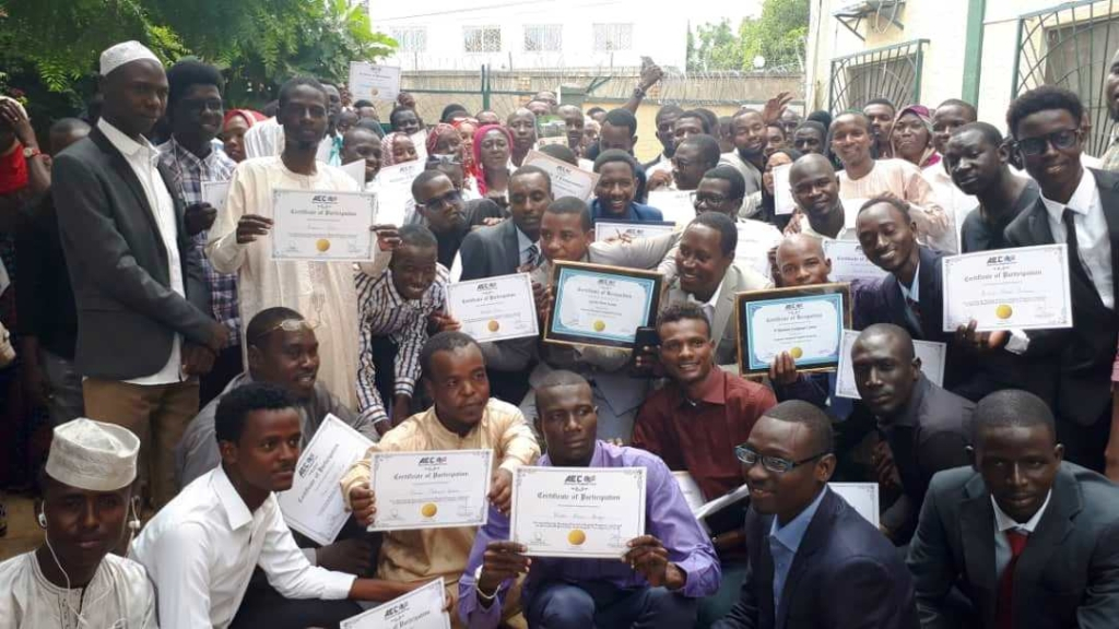 Education : Al Mouna English Club Forme Gratuitement 80 pour Mois De Mai En Anglais