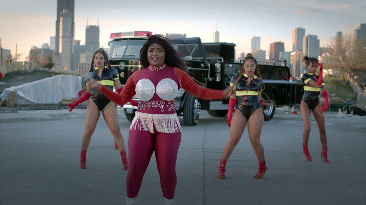 Fire: Gladie Ngiama En Mode Américain | Lemag - L destiné Éclairer En Anglais