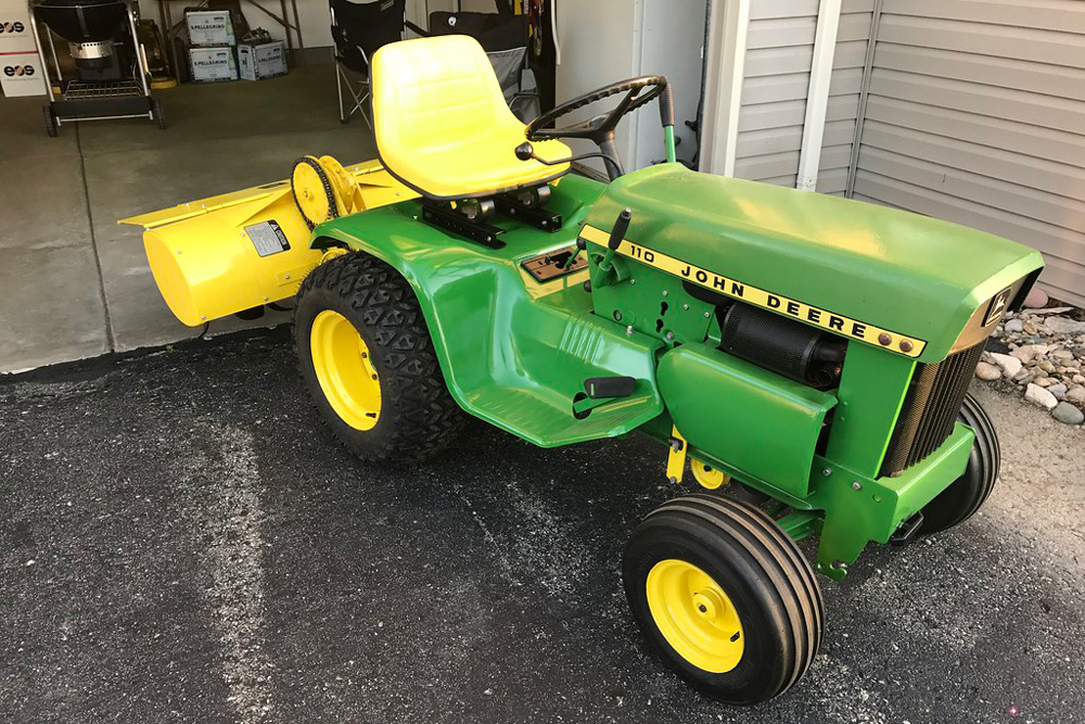 Le 110, Premier Tracteur Tondeuse John Deere | Farm Connexion tout Image Tracteur John Deere