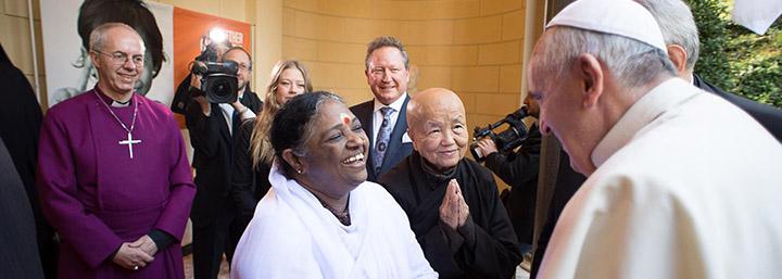 Le Discours D'Amma Donné Au Vatican. - Etw France - Amma avec Discours Pour Remercier Les Invités