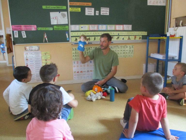 Le Fermier Dans Son Pré - Ecole Sacré Coeur - St Pierre Du intérieur Le Fermier Dans Son Pré