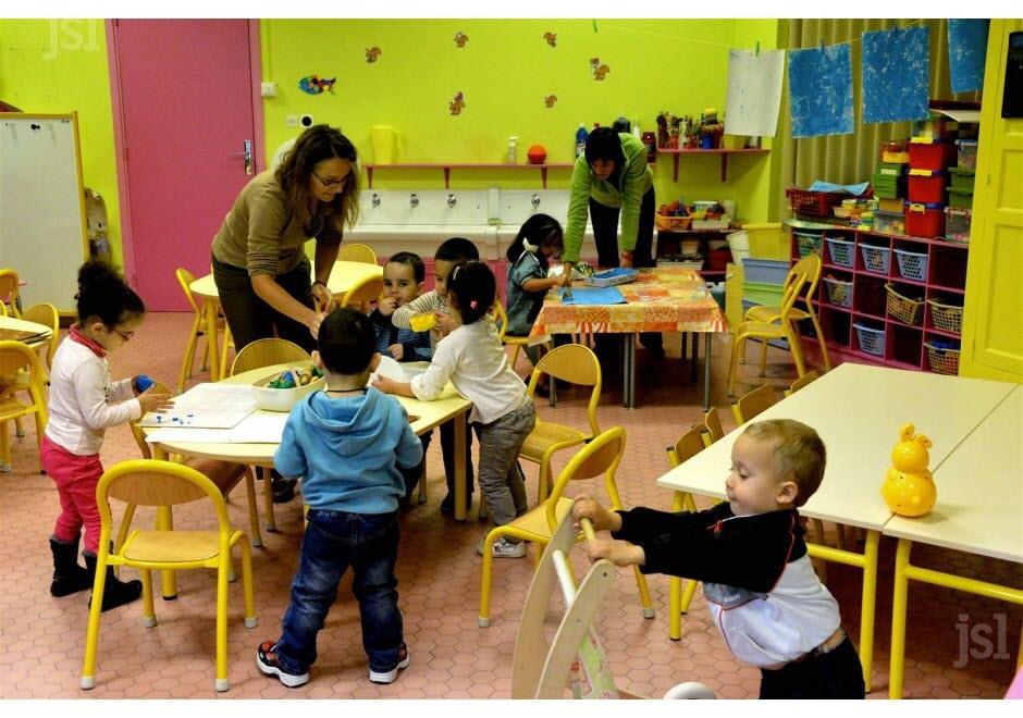 Montceau-Les-Mines | Les Enfants De Deux Ans De Retour En destiné Image D École Maternelle