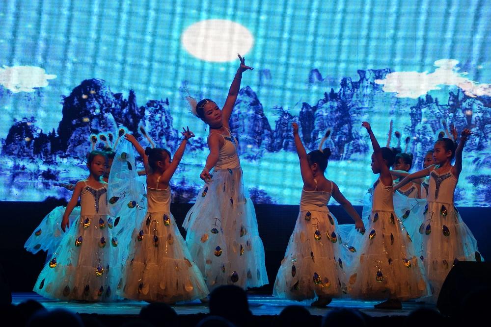 Nouvel An Chinois : Spectacle De Danse Traditionnelle Au pour Spectacle Danse Chinoise