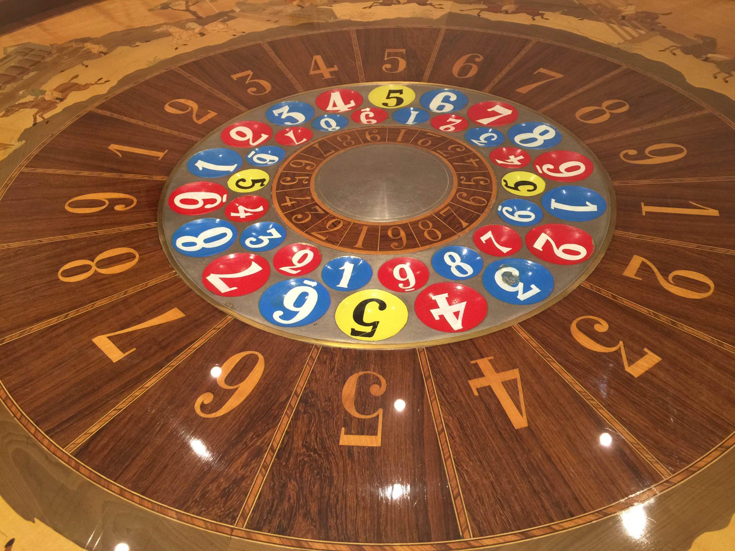 Table De Casino (Jeu De Boule) Des Années 1900 - J.a. Jost concernant Jeux De Boule De Couleur