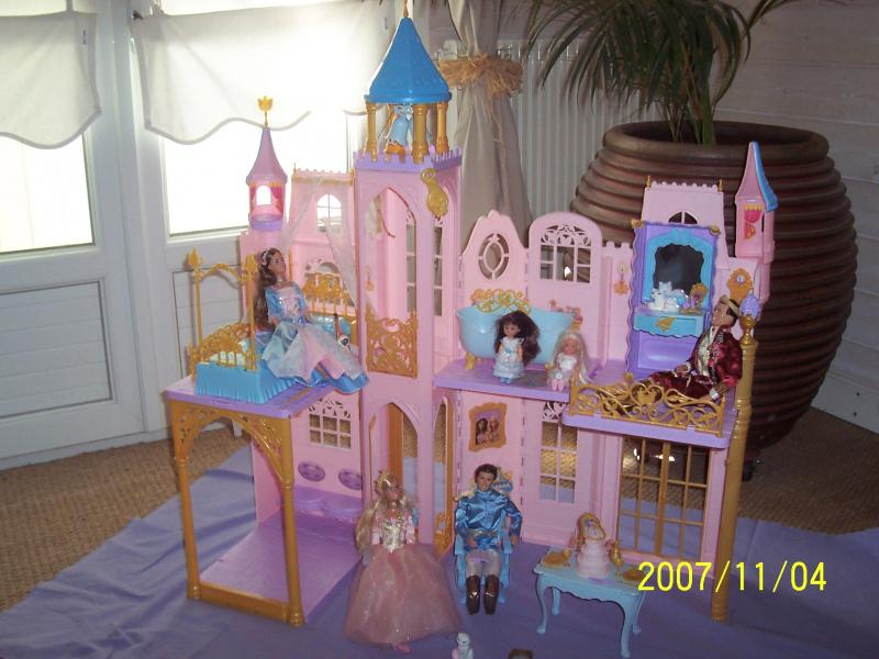 Troc Echange Chateau Barbie Coeur De Princesse Sur France tout Image De Chateau De Princesse